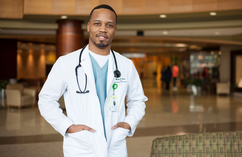 Dr. Adrian Simien, is currently practicing as a OBGYN resident with Indiana University.